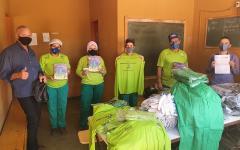 Coca-Cola Bandeirantes realiza entrega de Uniformes e EPI's na Cooperativa de Reciclagem, em Catalão