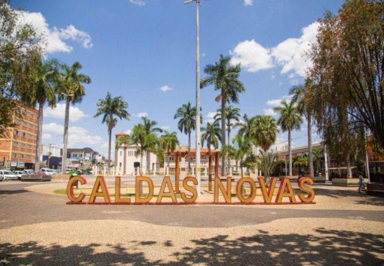 Novo decreto de Caldas Novas flexibiliza atividades comerciais e turísticas