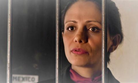 Elaine Dias vive policial mexicana no longa Pecado Vermelho
