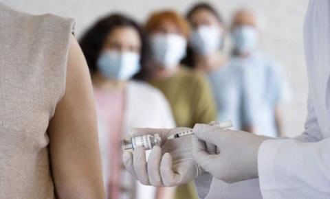 Covid-19: Câmara aprova projeto que amplia grupos prioritários na vacinação