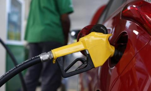 Petrobras reajusta o preço da gasolina e do gás de botijão em mais de 7%