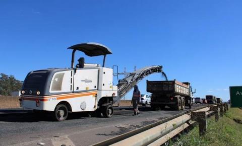 Eco050 realiza série de reparos na pavimentação da BR-050