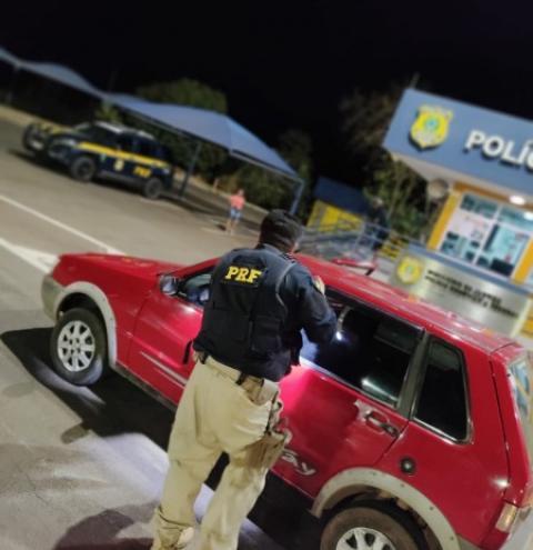 PRF em Catalão recupera carro furtado em São José dos Ausentes/RS