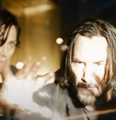 Neo e Trinity estão de volta em trailer de Matrix Resurrections